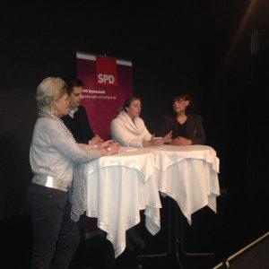 Im Gespräch: Inge Brenning, Nico Falkenberg, Christine Krupp & Ulla Wilberg.
