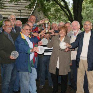 Der Sieger steht fest - Dieter Haibach gewinnt den Wanderpokal der Oberbürgermeisterin.