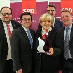 """Ehrung für Beate Wilding: Sie bekam den erstmals verliehenen Preis """"Stolz auf Remscheid!"""""""