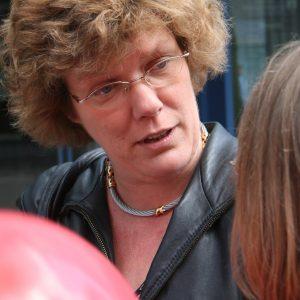 Petra Kammerevert im Gespräch in Remscheid